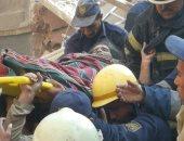 ننشر صور إنقاذ المصابة السادسة من أسفل أنقاض عقارات روض الفرج