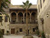 الآثار تبدأ أعمال الترميم والصيانة فى قصر الأمير طاز وبيت السادات