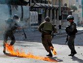 الإضراب الشامل يعم بلدة حلحول شمال الخليل حدادا على روح الشهيد حمزة يوسف