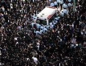 صور.. آلاف اليهود المتشددين يشاركون فى جنازة زعيم روحى بإسرائيل