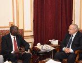 رئيس جامعة القاهرة يلتقى سفير دولة جنوب السودان بالقاهرة.. صور