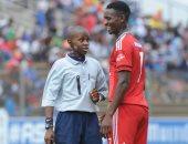 صور.. أصغر حكم فى جنوب أفريقيا يدير المباريات بعمر 17 عاما