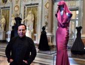 معرض بالمتحف البريطانى لمصمم الأزياء الراحل عز الدين علية لمدة 5 أشهر