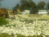 إزالة التعديات على 113 فدان من أراضى أملاك الدولة بالفرافرة