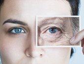 التعرض اليومى للضوء الأزرق قد يؤدى إلى تسريع عملية الشيخوخة.. اعرف التفاصيل