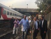 """جولة مفاجئة لوزير النقل بمحطات مترو الأنفاق و""""سكة حديد"""" الجيزة"""