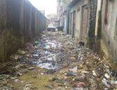 صور..مياه المجارى والقمامة تهدد مساكن كوم الملح بالإسكندرية