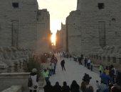 """3 وزراء يشهدون ظاهرة """"تعامد الشمس"""" على وجه رمسيس الثانى بمعبد أبو سمبل"""