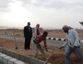 صور.. رئيس مدينة أبورديس بجنوب سيناء يتفقد أعمال تطوير وتجميل طرق المدينة