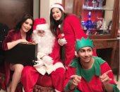 صور.. يوميات المشاهير عبر السوشيال ميديا.. احتفالات بالكريسماس وقبلات أخوية