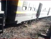 قارئة ترسل فيديو خروج عربتى قطار أبو قير من على القضبان