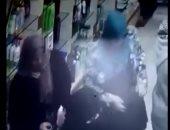 تداول فيديو لسيدتين تسرقان هاتفا من داخل صيدلية بدمياط