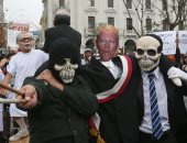 صور.. استمرار المظاهرات المنددة بقرار العفو عن رئيس بيرو السابق