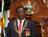 رئيس زيمبابوى يتقدم بأوراق ترشحه للانتخابات الرئاسية