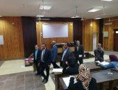 رئيس جامعة أسوان يتفقد امتحانات كليات الحقوق ودار العلوم