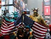 تايمز سكوير نيويورك يستعد للمحتفلين بليلة رأس السنة رغم البرد القارس