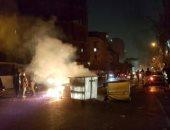 """فيديو وصور.. المتظاهرون الإيرانيون يرفعون شعار """"الموت للديكتاتور"""".. إحراق صور خامنئى فى الميادين.. واشتباكات عنيفة مع الشرطة بالشوارع وارتفاع عدد القتلى لـ15 شخصا.. ومتظاهر يقتل شرطيا ويصيب 3 آخرين"""
