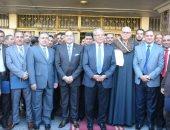 صور.. وزير التنمية المحلية يكرم نائبى رئيس مدينة دار السلام بسوهاج
