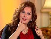 آثار الحكيم تنفى إصابة ابنها بكورونا: فى العزل المنزلى بعد إصابة 2 من أصدقائه