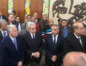 نقيب الصحفيين وحسن حمدى يصلان مبنى الأهرام للمشاركة فى جنازة إبراهيم نافع