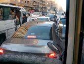 قارئ ينتقد سلوكيات السائقين والسير عكس الاتجاه فى القومية العربية بالجيزة
