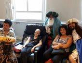 صور.. ملوك المجوس الثلاثة يزورون المستشفيات الإسبانية فى يوم عيدهم