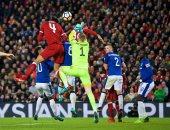 فيديو.. فان ديك يقود ليفربول لفوز قاتل على إيفرتون بكأس الاتحاد الإنجليزى