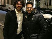 محمد حماقى ينشر صورته مع محمد الننى فى شوارع لندن
