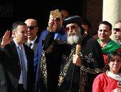 البابا تواضروس يستقبل المهنئين بالعيد بالكاتدرائية المرقسية