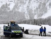 13 ألف سائح عالقين فى منتجعات هواة التزلج بسويسرا جراء الثلوج الكثيفة