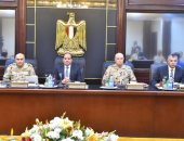 السيسى يجتمع بقيادات الجيش والشرطة ويطلع على إجراءات مواجهة الإرهاب