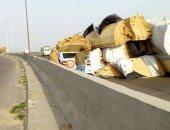 زحام مرورى أعلى طريق إسماعيلية الصحراوى إثر حادث انقلاب سيارة نقل