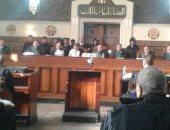 محامى متهمين بقضية العادلى يؤكد إخلاء سبيلهم بعد إخطار السجون بحكم النقض