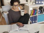 كيف تحرق السعرات الحرارية أثناء جلوسك على المكتب فى العمل ؟