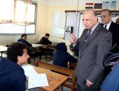 محافظ القاهرة يتفقد امتحانات الترم الأول للشهادة الإعدادية.. صور