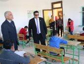 صور.. سكرتير عام جنوب سيناء يتفقد سير امتحانات الشهادة الإعدادية