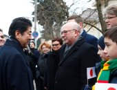 رئيس الوزراء اليابانى يزور ليتوانيا ضمن جولته الأوروبية (صور)