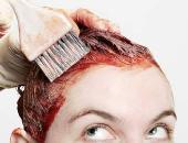 3 طرق لإزالة بقع صبغة الشعر من اليد والوجه