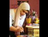 """""""أرسمها وماترميهاش""""..مريم أنور فنانة ترسم على الأثاث المنزلى القديم وتحويله لقطع فنية"""