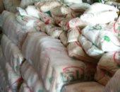 ضبط 8.700 طن سكر وأرز مجهولى المصدر بمخزن بدون ترخيص فى شبرا الخيمة