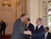 وزير الخارجية يؤكد للرئيس اللبنانى الأسبق دعم مصر لوحدة واستقرار لبنان