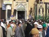 فيديو.. عشاق الحسين يحاصرون مسجده والمئات يتوافدون لحضور الليلة الكبيرة