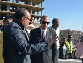 محافظ قنا فى زيارة ميدانية لمدينة قوص لتفقد مشروع الكوبرى العلوى
