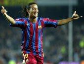 جول مورنينج.. رونالدينيو يحرز أول أهدافه مع برشلونة