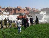 صور .. إزالة 17 حالة تعدى على الأراضى الزراعية فى بنى سويف
