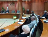 محافظ بورسعيد يتابع استعدادات المحافظة لاستقبال منظومة التأمين الصحي الجديد