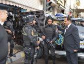 صور.. مدير أمن الإسكندرية يتفقد الخدمات الأمنية بمحيط الكنائس
