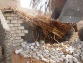 محافظ سوهاج : إزالة  6 حالات تعدى على الاراضى الزراعية  بمركز طهطا