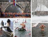 آلاف الروس يحتفلون بعيد الغطاس فى المياة الباردة