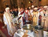 """بدء صلاة """"اللقان"""" في كنيسة العذراء بقداس عيد الغطاس المجيد"""